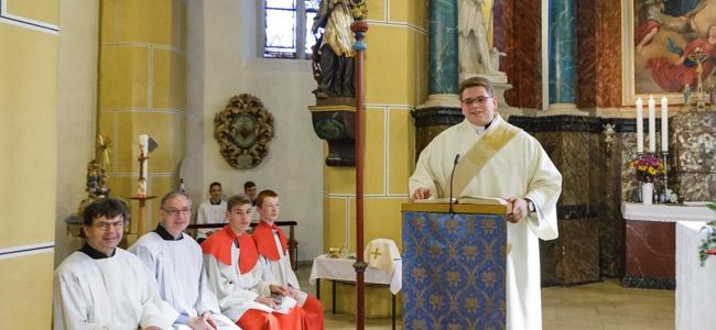 Diakon Philipp Janek predigte am Rosenkranzsonntag vor seiner Heimatgemeinde