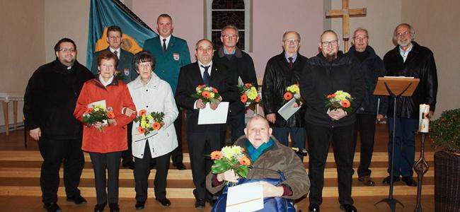 Die Mitglieder der Wittichenauer Kolpingsfamilie, die für ihre Treue zum Verein geehrt wurden